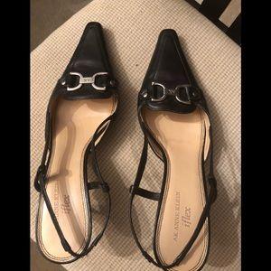 EUC Anne Klein Black Leather Mamacquire Size 9